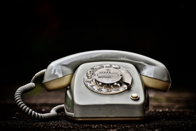 old-phone-3649196_1280