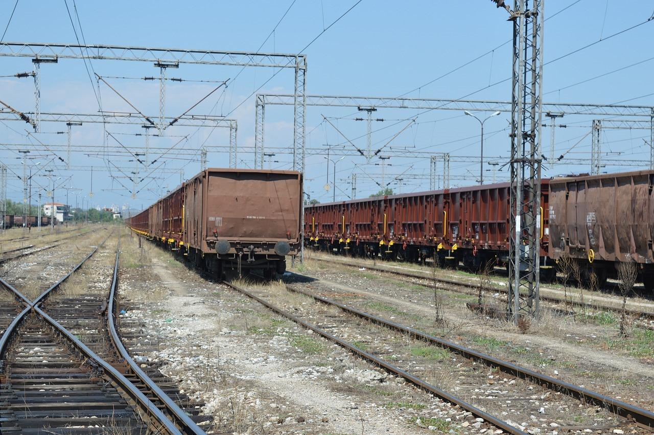 train-2326922_1280