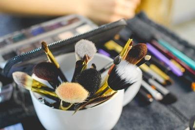 brush-2491235_1280