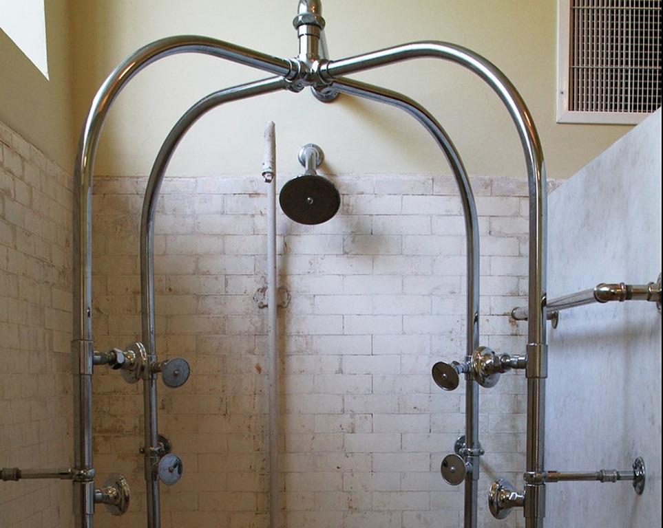 bath-house-row-1587362_1280