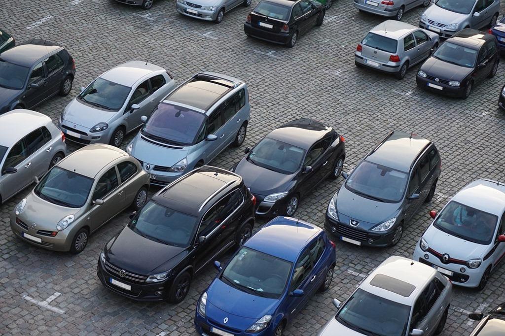 parking-825371_1280